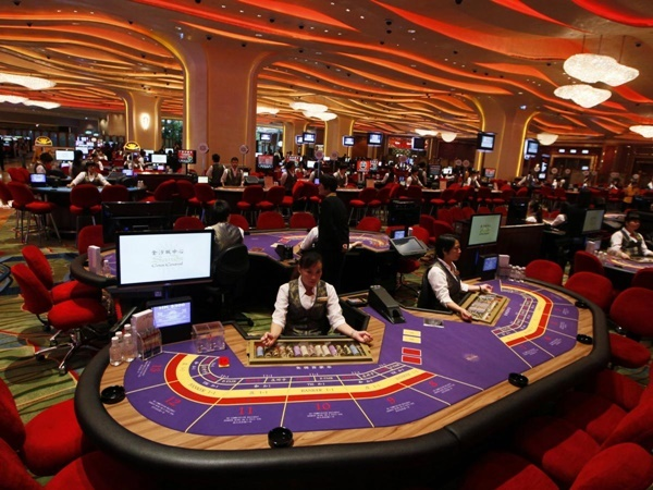 where can i play 인터넷바카라가입 baccarat online?